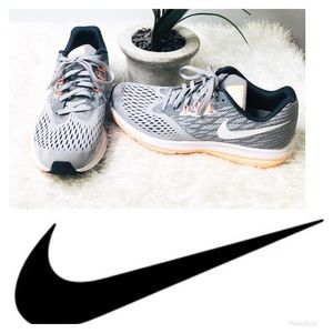 Nike Air Zoom Tennis / Athletic Shoes | Size 9.5